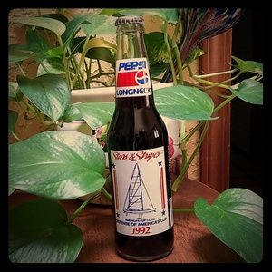 Collectable 1992 Stars & Stripes unopened Pepsi